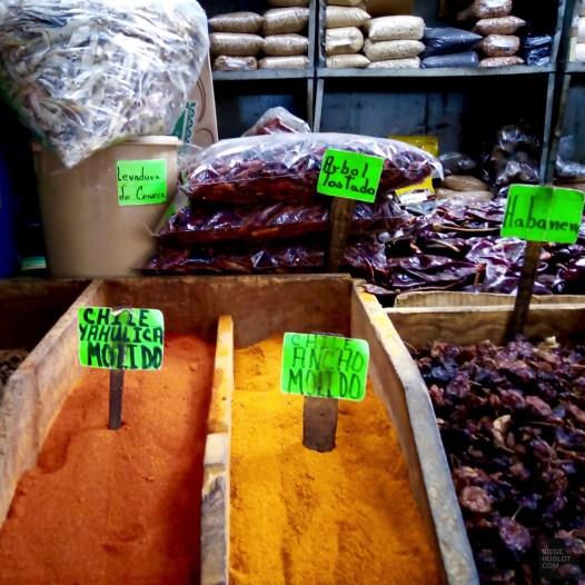 Épices en vrac - Les marchés - Tout ça à Guadalajara - Destination, Amérique du Nord, Mexique