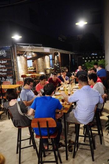 Microbrasserie - Et encore plus! - 12 Restos Coups de Coeur à DaNang - Destination, Asie, Vietnam, Restos