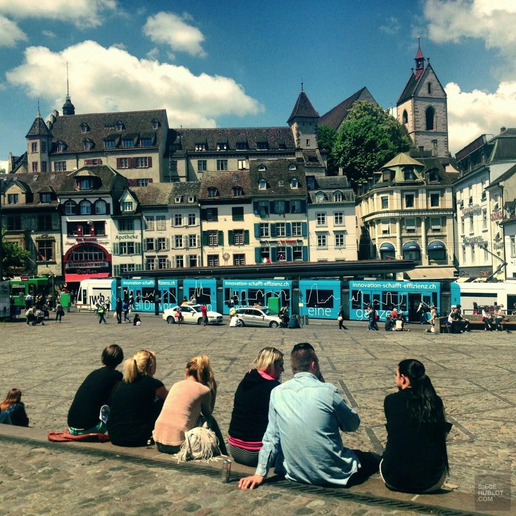 Barfüsserplatz - Un transport public extrêmement efficace - Bâle, une ville au coeur de trois pays - Destination, Europe, Suisse