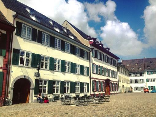Zum Isaak - Quartier historique et monuments importants - Bâle, une ville au coeur de trois pays - Destination, Europe, Suisse