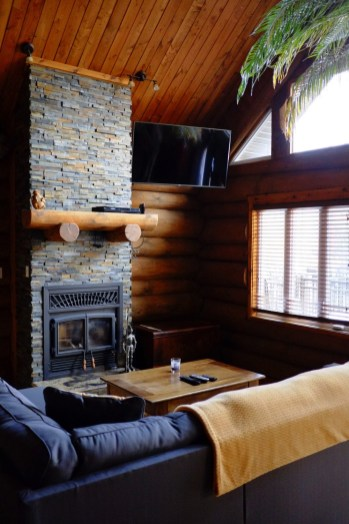 Le salon - NRJ Spa Nordique - Balade en Beauce - Amérique du Nord, Canada, Québec, Chaudière-Appalaches