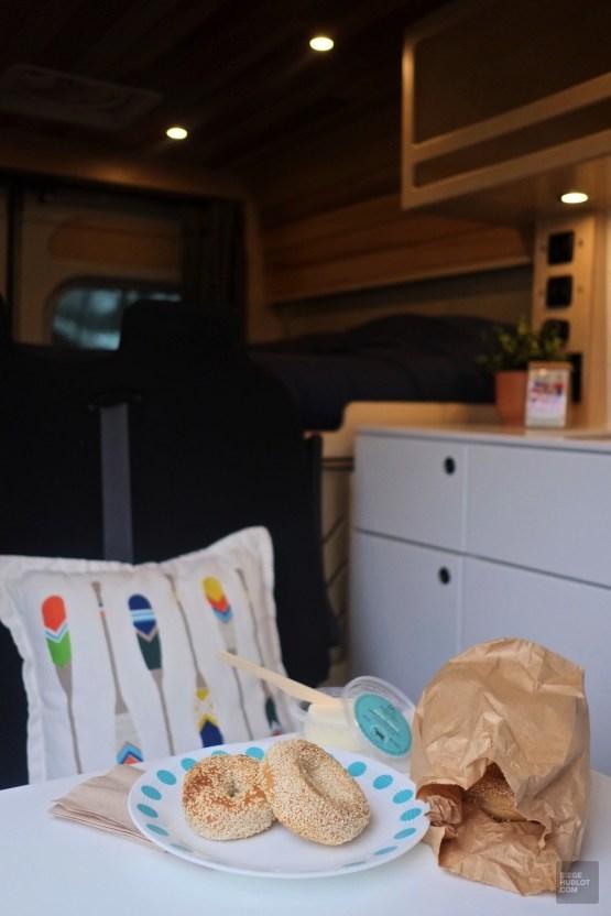 Round Top Bagels et fromage Missiska - Camping hivernal - Vivre la VanLife quatre saisons - Amérique du Nord, Canada, Québec, Cantons-de-l'Est, Charlevoix, À faire, Roadtrip