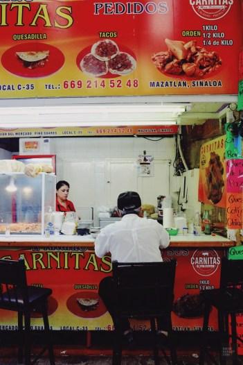 Manger au marché