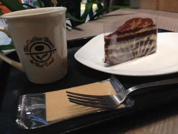 甘いものが好き。甘党税理士を名乗れるくらいケーキを食べてる
