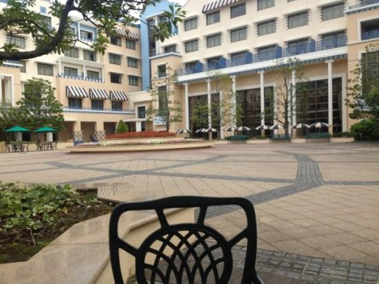 アンバサダーホテルの中庭