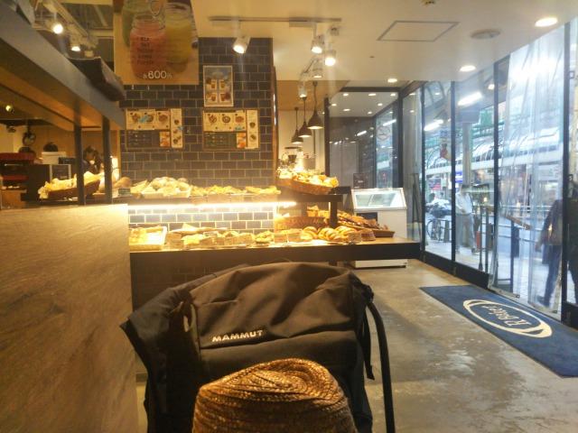 北千住で作業するならカフェベーカリーR Bakerがいい。駅から近くて便利