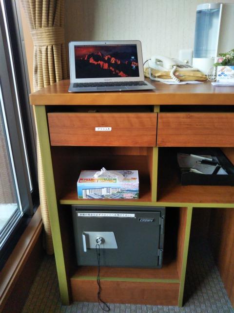 台の上のMacbookAir
