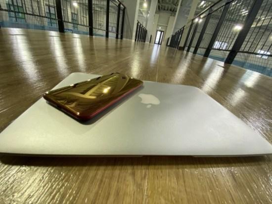 MacBookAirとhtcu11