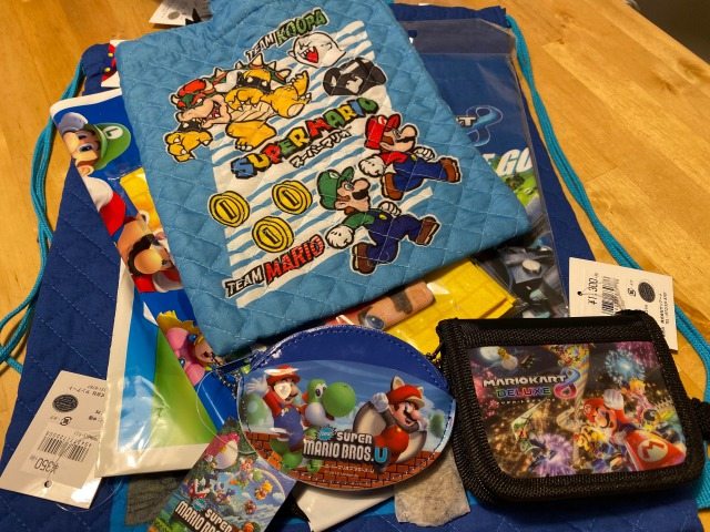 Amazonで売ってたスーパーマリオ福袋購入。ぬいぐるみではなく使えるモノが多くてよかった