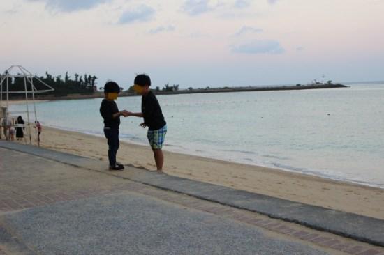 沖縄の子供たちの画像