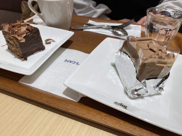 Topsのケーキが美味しい。子供たちも一個ペロッと食べる