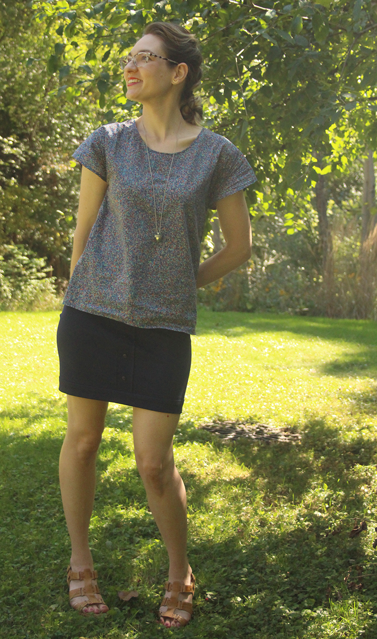 I paired my new Colette Mabel skirt with a woven T-shirt.