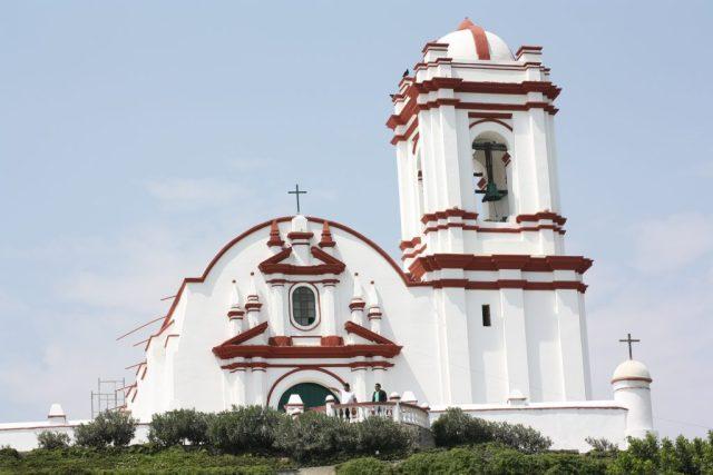 Mapas de los distritos de Trujillo. Desde la iglesia de Huanchaso se logra una vista espectacular de la playa.