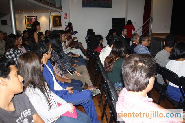 Conversatorio en Alianza Francesa de Trujillo