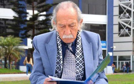 poeta Santiago Aguilar