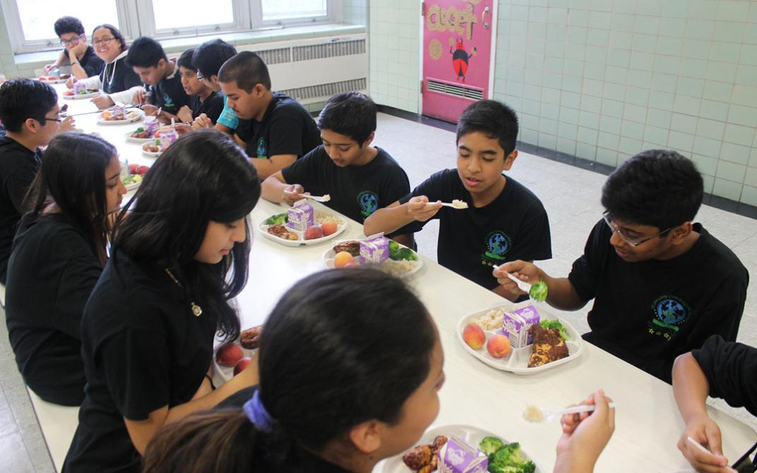Urban School Food Alliance uses compostable round plates at its six member districts, replacing polystyrene trays.