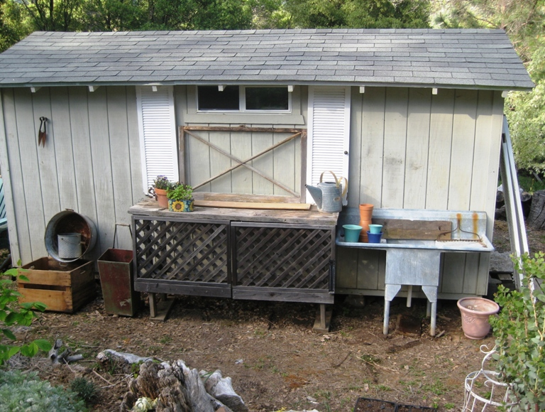 In Which, I Clean Up My Potting Bench