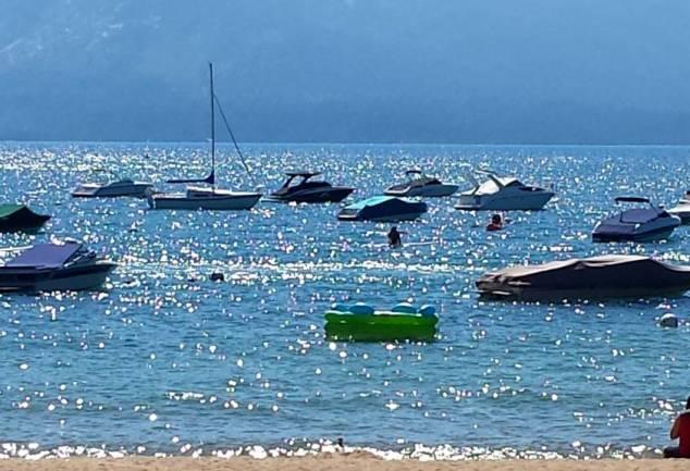 Boats Lake Tahoe 2016