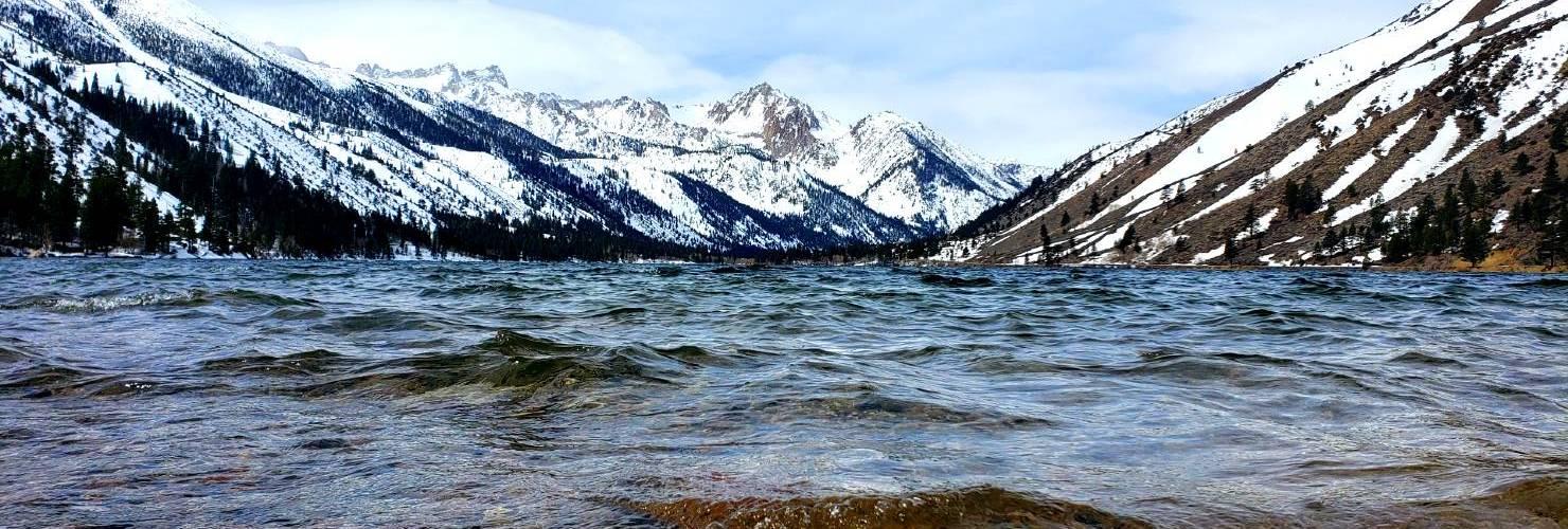 Twin lakes Bridgeport ca