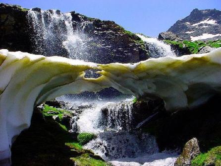 SierraySol | Ecotourism in Andalusia Deshielo en Parque Natural de Sierra Nevada