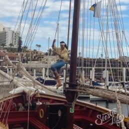 Flipper Uno: корабль украшен фигурами пиратов