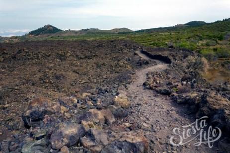 Тропа через застывшую лаву