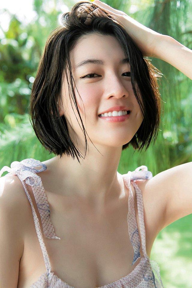miyoshi-ayaka-tha-thinh-sieu-thom-khien-phai-manh-tan-chay (11)