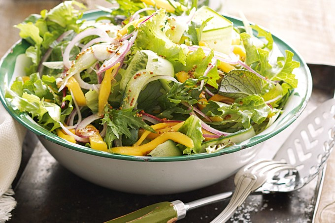 green-salad-with-mango-87358-1