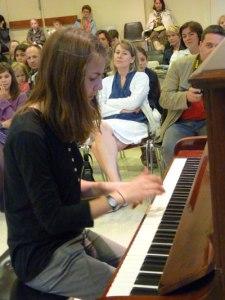 Adolescente, pianiste,