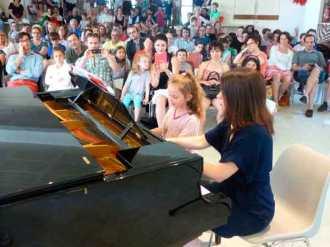 4 mains piano professeur élève