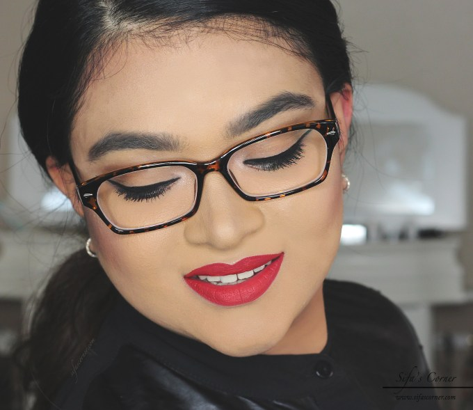 How To: Easy Neutral Eyes with Red lips for Glasses