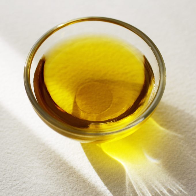 how-to-choose-right-facial-oil-for-your-skin-typeoil-1773835_1920