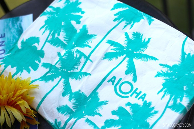June 2017 POPSUGAR Must Have Box-ALOHA COLLECTION Mid-size Ocean Coco Palms Pouch