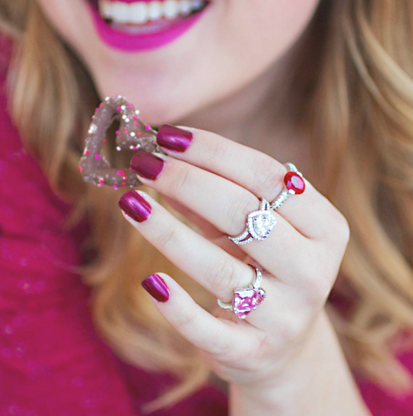 5 Essentials to Look CuteWhile HavingFun under the Sun- inspired silver jewelry
