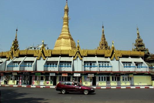 Pagoda at the center center of Yangoon