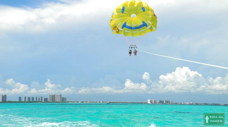Siga na Viagem - Parasailing em Cancún um passeio surpreendente - Imagem Destaque