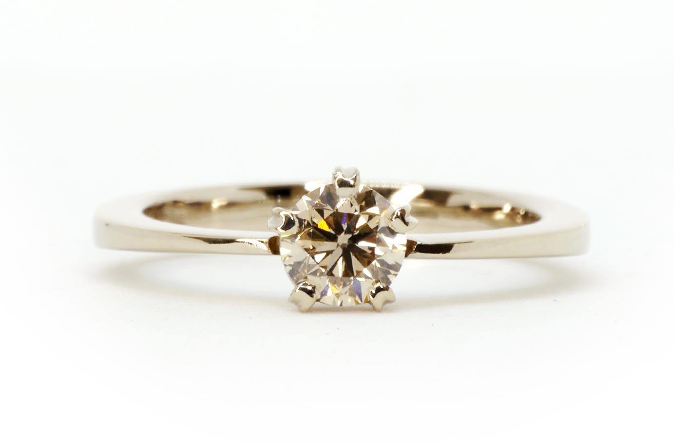 Verlobungsring Diamantring Schmuck Siggnatur Goldschmied Duesseldorf