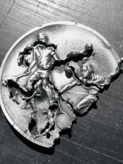 Mit 30.000 Grad geht es dem Metall an den Kragen.