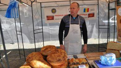 Photo of Fostul bucătar al Spitalului Sighişoara, singurul atestat ca producător tradiţional de pită cu cartofi