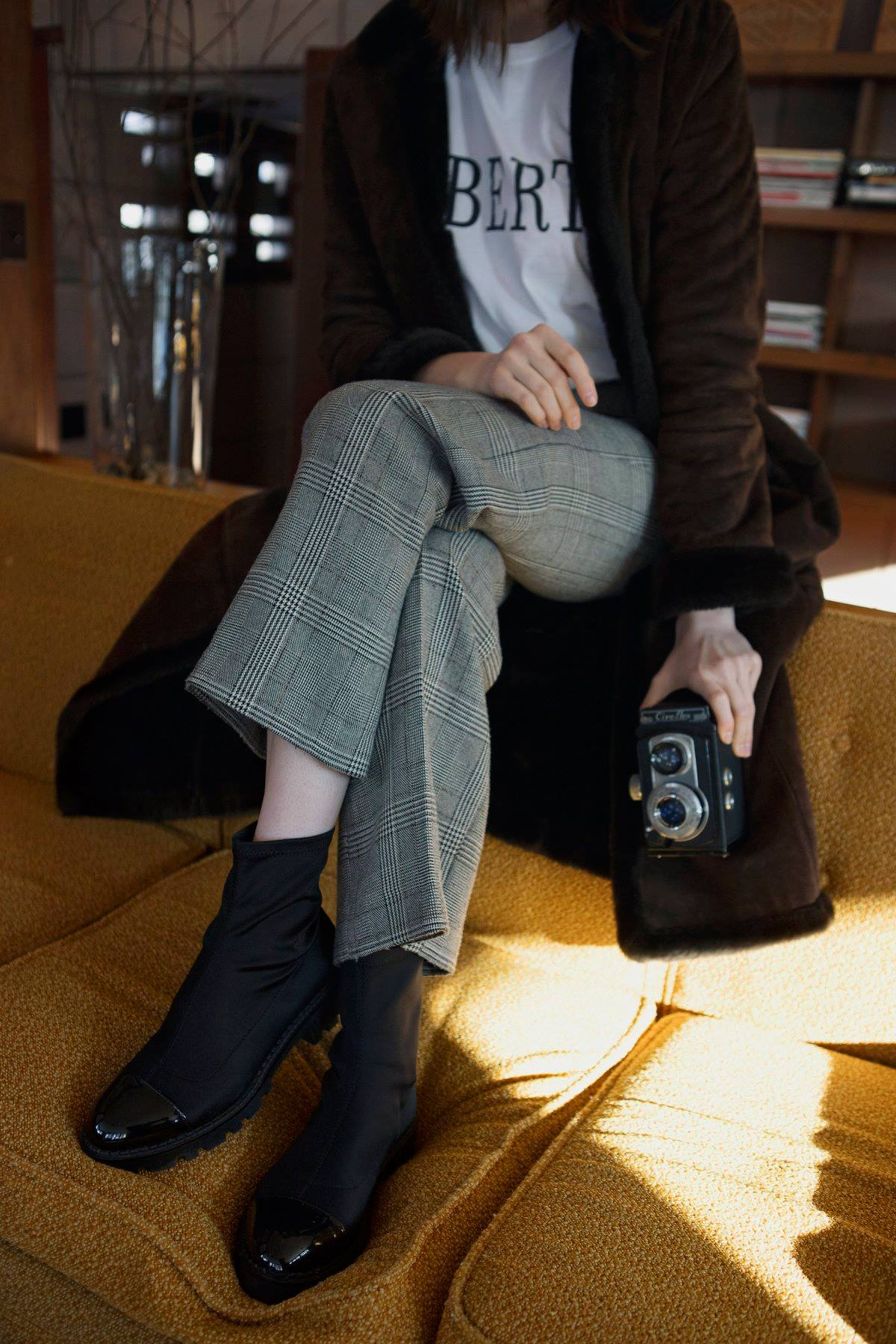 fur coat fashion vintage camera eppsetin house frank lloyd wright midcentury modern