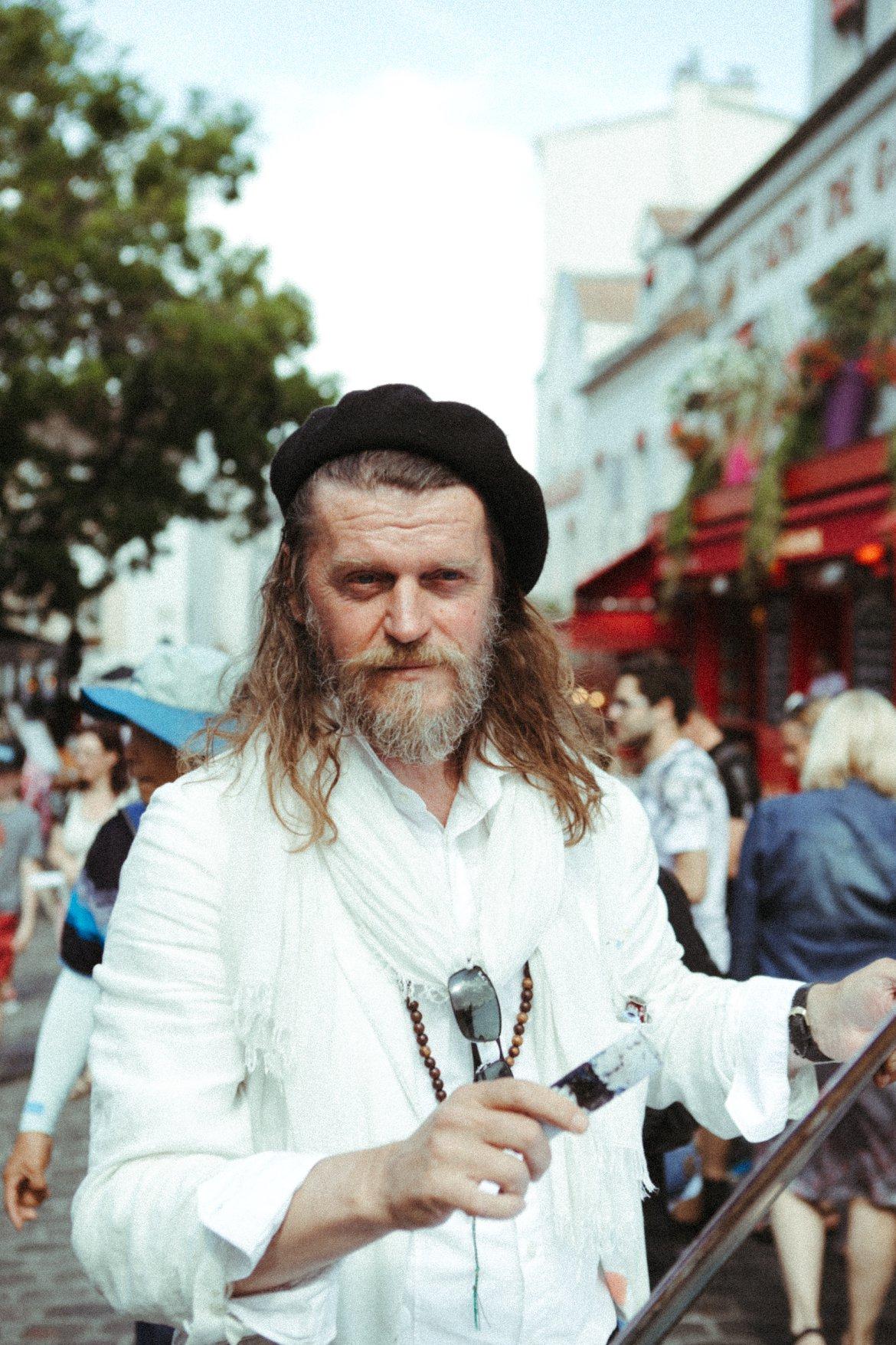 street photography portrait portraiture french artist painter paris
