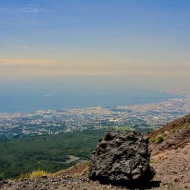 how to climb Vesuvius like a boss
