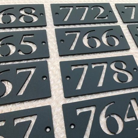 plaque numero inox avec peinture cuite au four 143x72 numero au choix