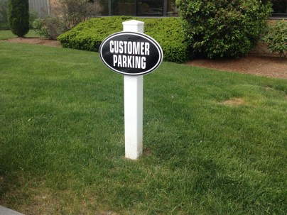directional-parking-signs-0818-e