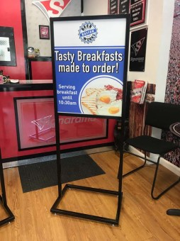 sign-stand-holders-0818-a
