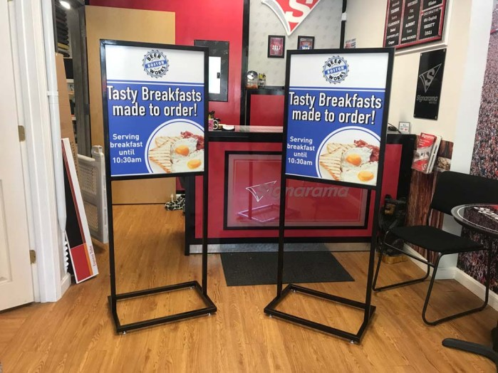 sign-stand-holders-0818-e
