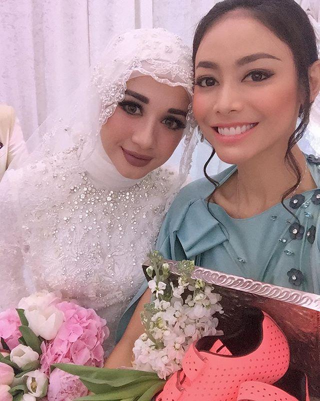 Indonesian Star Cynthia Bella Marries Malaysian Businessman, Engku Emran