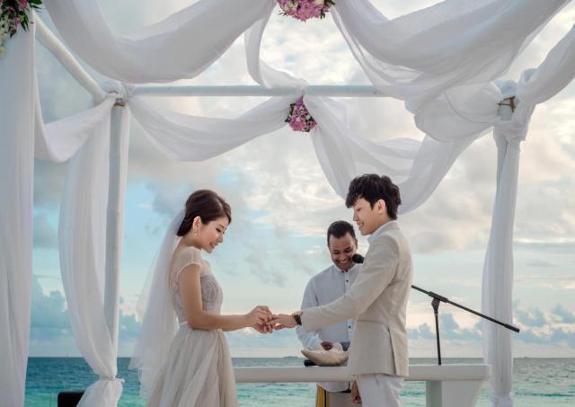Keda Z & Kelly Wedding in Maldives11