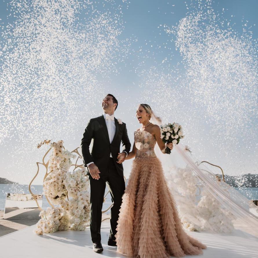wedding, global-wedding, featured, destination-weddings - Deborah Symond Wedding at Qualia Resort is nothing short of perfection