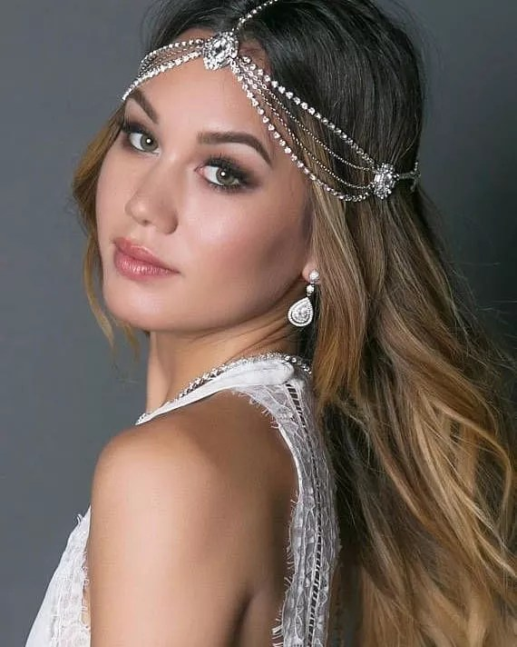 Glamorous Brides, You Would Need These 6 Accessories